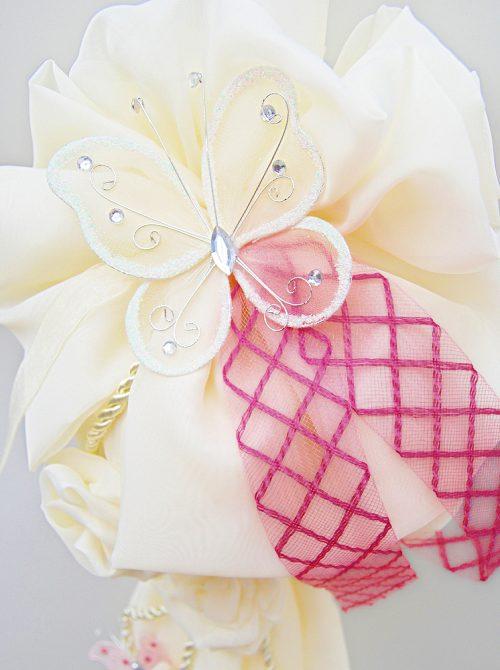 Lumanare botez cu decor crem si accesorii roz 1