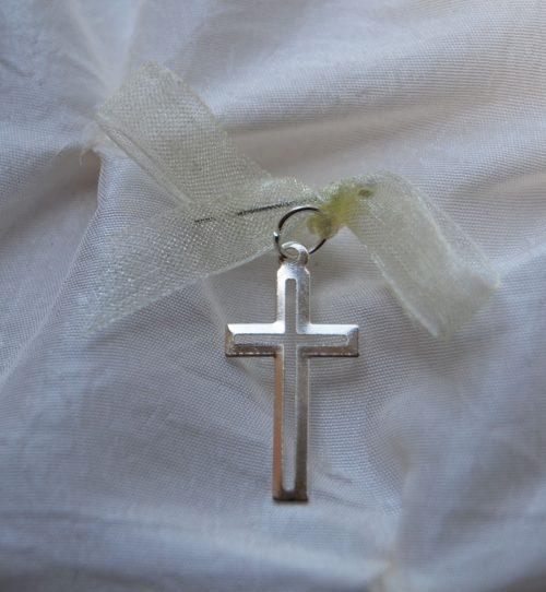Cruciulite botez cu model decupat