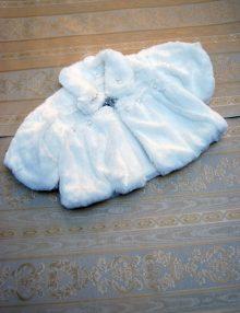 Capa botez din blana alba