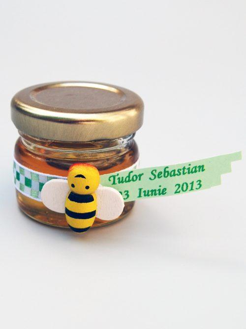 Marturie botez borcanel miere cu albinuta
