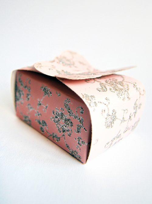 Marturie botez cutiuta roz cu fluture