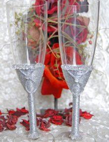 Set pahare miri cu decor argintiu si strasuri