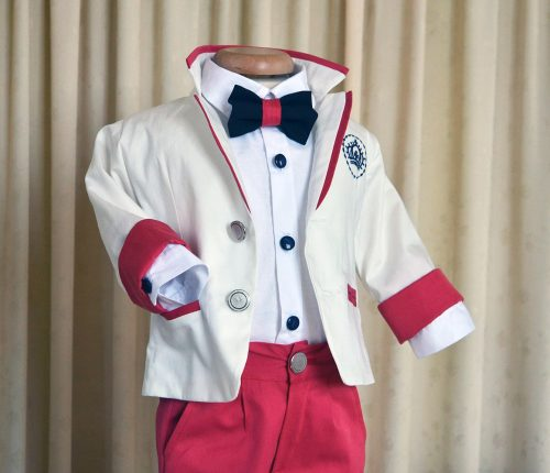 Costumas botez baieti, din tercot alb si rosu, cu blazon brodat 2