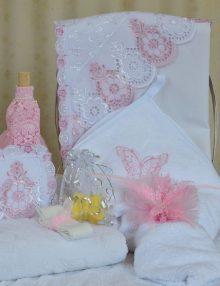 trusou-botez-biserica-fetita-roz